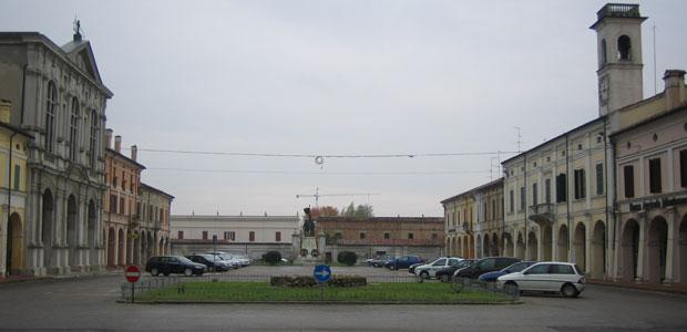 Piazza-XXIII-Aprile-Pomponesco-ev