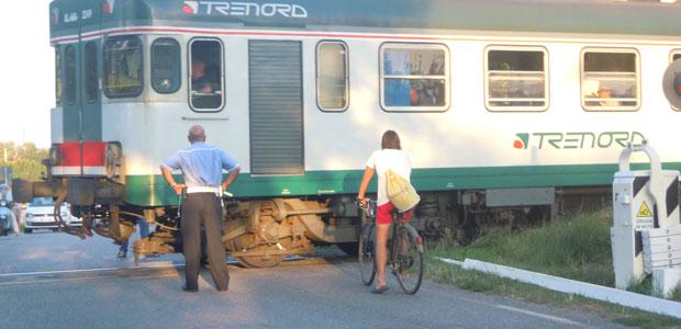treno-sbarre-giù_ev