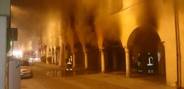 incendio-Viadana-ev