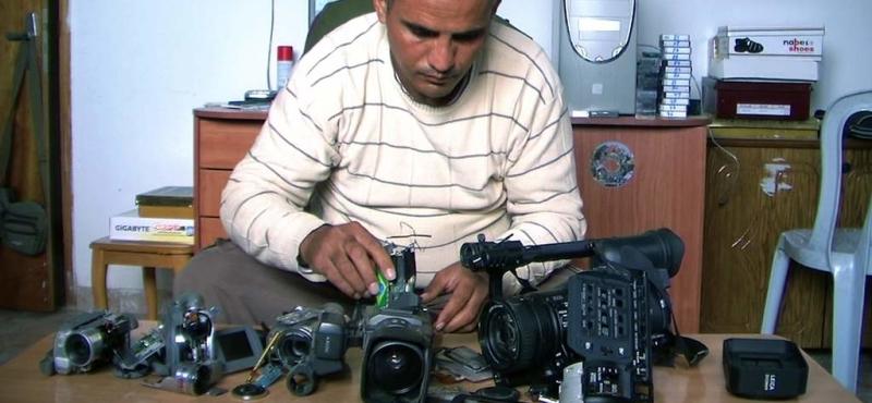 5-broken-cameras-ev