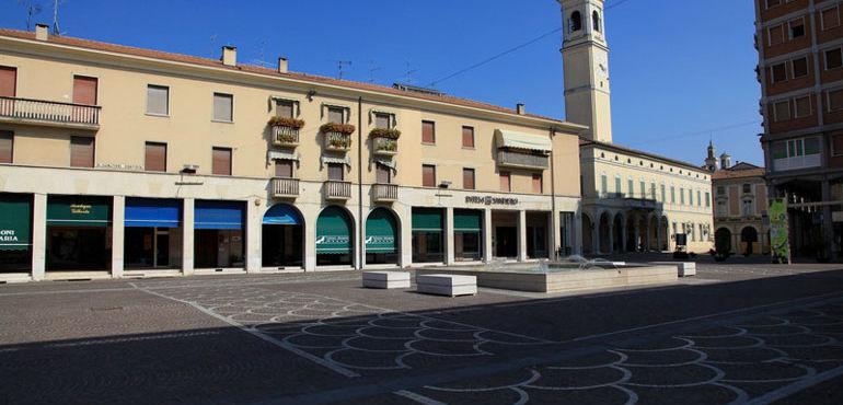 piazza-manzoni-viadana_ev