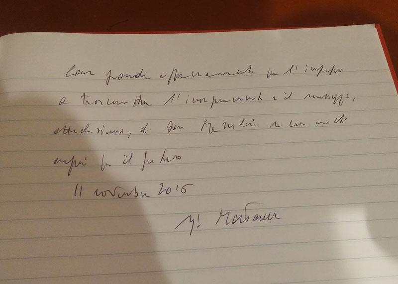 Nella foto il saluto di Mattarella sul registro della Fondazione don Mazzolari
