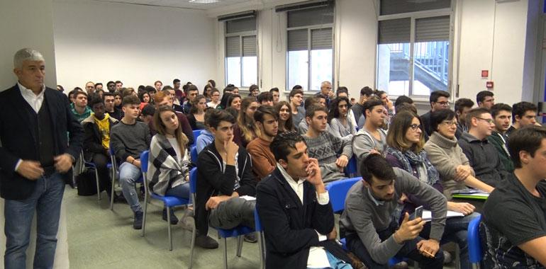 scuola-pomi-romani-studenti_ev