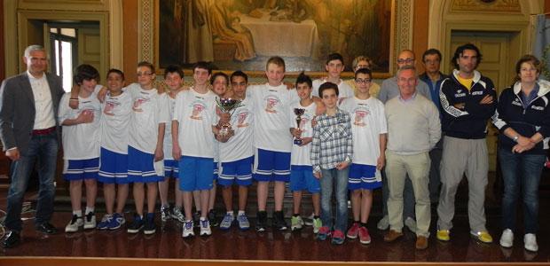 L'under 13 del Basket Casalmaggiore premiata nella sala consiliare casalese