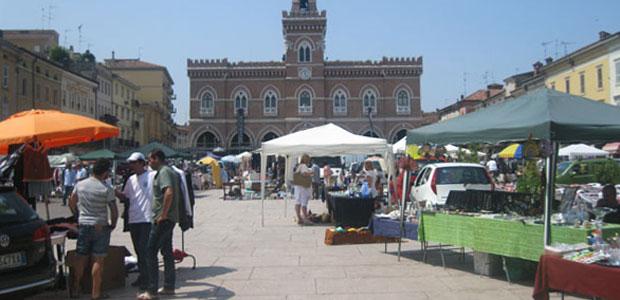 mercatino-riuso-ev