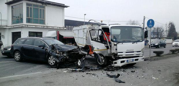 incidente-via-fermi-casalmaggiore-2015-ev