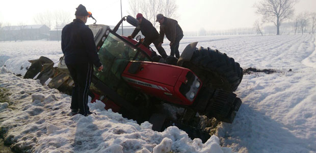 trattore-fuori-strada-gussola-ev