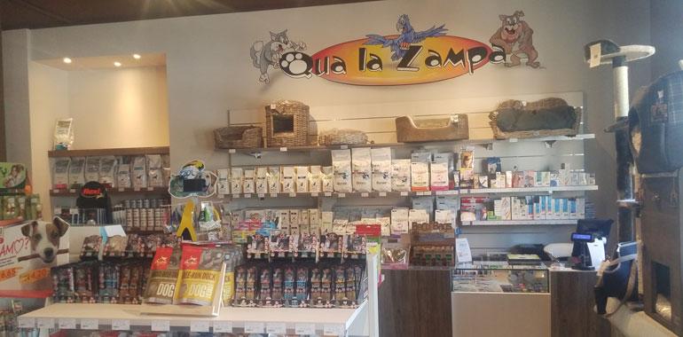 qua-zampa-negozio_ev